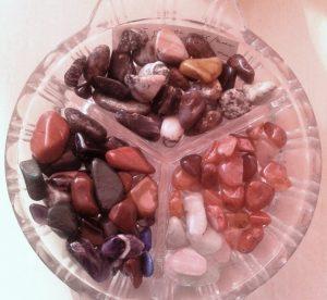Полирани кристали за лечебни мандали от Африка. Единична цена 0.70 лв.