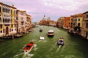 Венеция като минало и бъдеще обединени в сега.